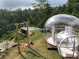 Bubble with a private swimming pool