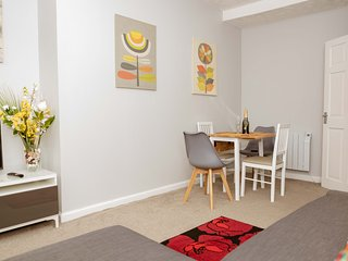Stirling Central Apartment - Stirling Central Apartment
