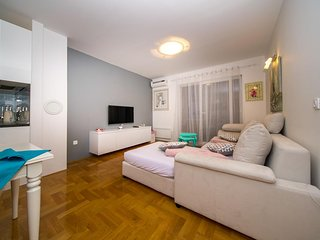 One bedroom apartment Makarska (A-16415-a)