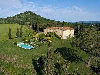 Casa di Pietra Villa Sleeps 18 with Pool and Air Con - 5763287