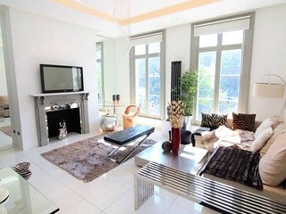 GG1 Three bedroom apartment in Chelsea SW10