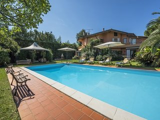5 bedroom Villa with Pool and WiFi - 5764167