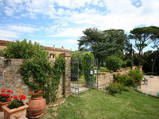 La Collina Villa Sleeps 17 with Pool Air Con and WiFi - 5763237