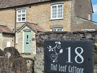 18 Mint Leaf Cottage, Bruton (FREE Parking / FREE WiFi / Welcome Basket)