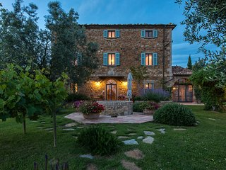 Collacchia Villa Sleeps 18 with Pool Air Con and WiFi - 5763285