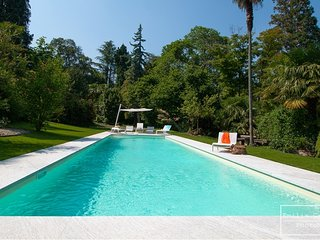 Baveno Villa Sleeps 16 with Pool - 5764147