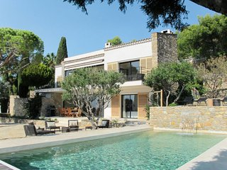 4 bedroom Villa in Bandol AOC, Provence-Alpes-Côte d'Azur, France - 5761850