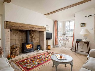 Pear Tree Cottage is a very stylish property in the lovely village of Cherington
