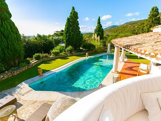 Liscia di Vacca Villa Sleeps 18 with Pool Air Con and WiFi - 5765159