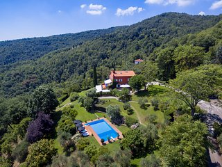 Troghi Villa Sleeps 8 with Pool Air Con and WiFi - 5762726