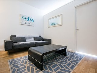 6F-UWS-COLUMBUS AVE 2BR WITH GYM&DOORMAN
