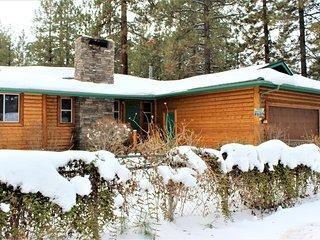 ~Mountian Air~Eagle Point Log Home~Hot Tub~Single Story~Walk To Lake/Park~