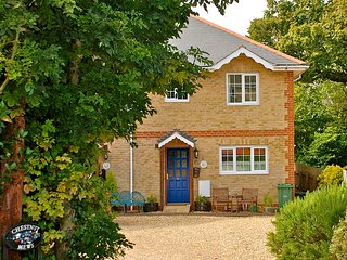 Clematis Cottage, Family Friendly, 10mins Walk to Beach, 4mins to Old Village