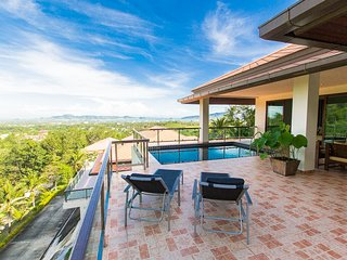 5 BDR Ocean View Pool Villa near Chalong Bay