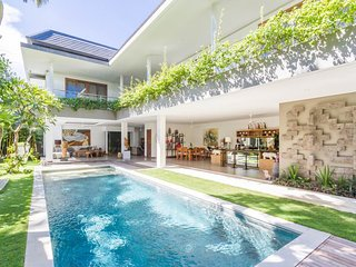 100m from the beach in heart of Seminyak ! Special launching promo price