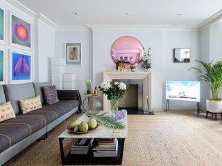 Luxurious Knightsbridge Apartment 2bed / 2bath - near Harrods - super fast WiFi