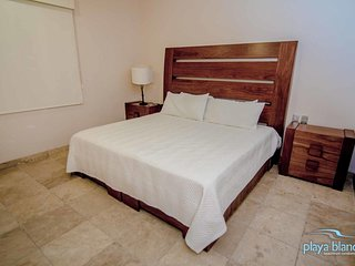 1 Bedroom Condo Playa Blanca #1 Unit 304