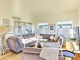 NEW! Chic 'Summer House Cottage' 2 Blocks to Ocean