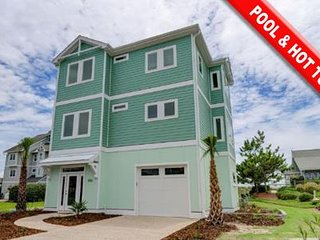 Hydrangea - 5BR Oceanfront House in North Topsail Beach with Indoor Pool & Hot T