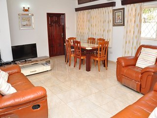 Muyenga Vacation Home - Deluxe Apartment, 2 Bedrooms, Ensuite