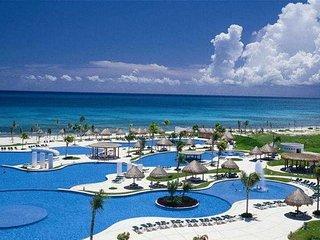 Mayan Palace Riviera Maya STUDIO Unit, Sleeps 4, FRIDAY Check-In