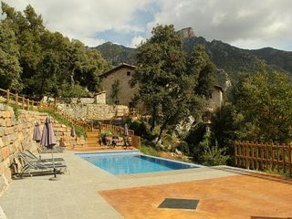 la Nou de Bergueda Villa Sleeps 4 with Pool and WiFi - 5623121