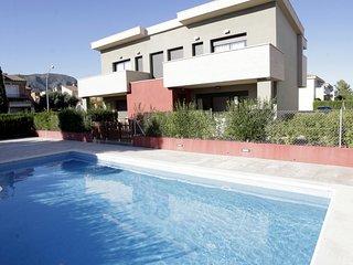 Cozy villa in Mont-roig del Camp with Parking, Washing machine, Pool, Garden