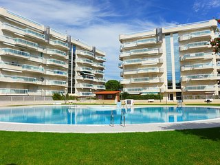 Spacious apartment in the center of Salou with Lift, Parking, Washing machine, A