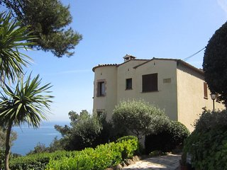 Calella de Palafrugell Apartment Sleeps 4 with Pool - 5246936