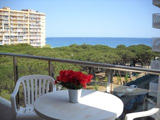 Cozy apartment a short walk away (80 m) from the 'Playa de S'Abanell' in Blanes