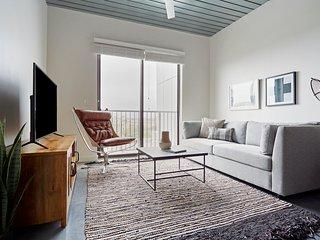 Sonder | Mid Main Lofts | Dashing 1BR + Balcony