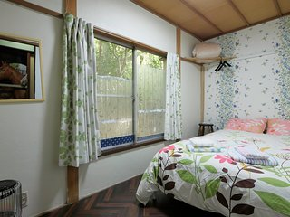HAKONE Econ Double shared Bath,1 mit Venetian Glass Museum Bus Stop Guesthouse