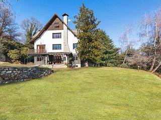 Beautiful large villa amidst lush green nature!