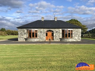 Knockaraha West Luxury Lodge Westport
