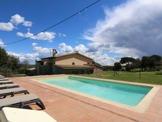 Casserres Villa Sleeps 15 with Pool and WiFi - 5623057