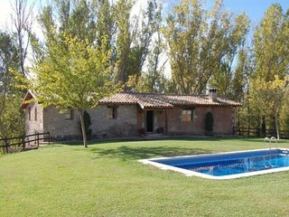 6 bedroom Villa with Pool and WiFi - 5622305