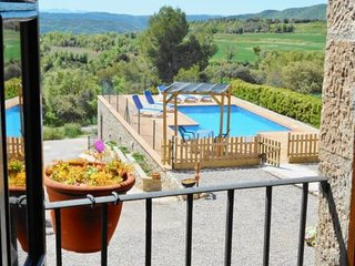 Sant Sebastia de Montmajor Villa Sleeps 8 with Pool and WiFi - 5623605