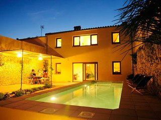 4 bedroom Villa with Pool and WiFi - 5622400