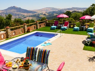 Grazalema Villa Sleeps 6 with Pool and WiFi - 5604483