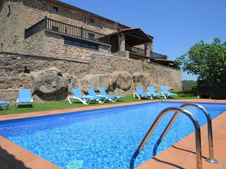 8 bedroom Villa with Pool and WiFi - 5622302