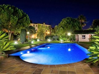 16 bedroom Villa with Pool, Air Con and WiFi - 5622407