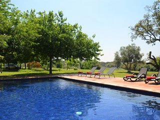 6 bedroom Villa with Pool and WiFi - 5634242