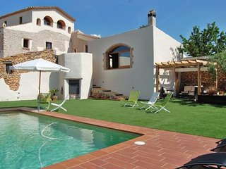 6 bedroom Villa with Pool and WiFi - 5622421