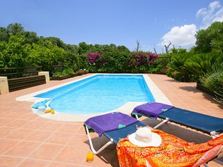 2 bedroom Villa with Pool and WiFi - 5604465