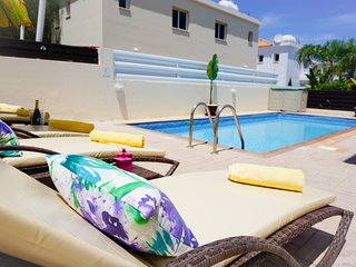 Villa Soraya 2-Beautiful Villa with Private Pool, BBQ, WIFI and UK Channels