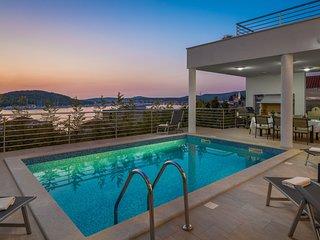Luxury Villa Jasmin with Pool
