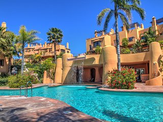 5 bedroom Vacation Townhouse with sea views, pool