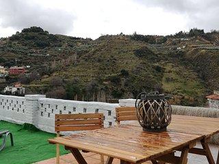 Apartamento La Algarroba, a 20 minutos de Granada