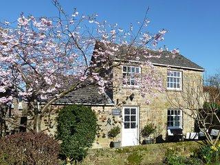 White Rose Cottage, Constable Burton : Woodburner : Quiet Location : Free Wifi