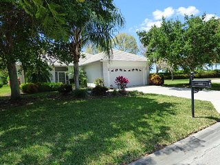 Charming Villa & Pool ( Pet Friendly)in Lely Golf & Country Cl & PLAYERS CLUB